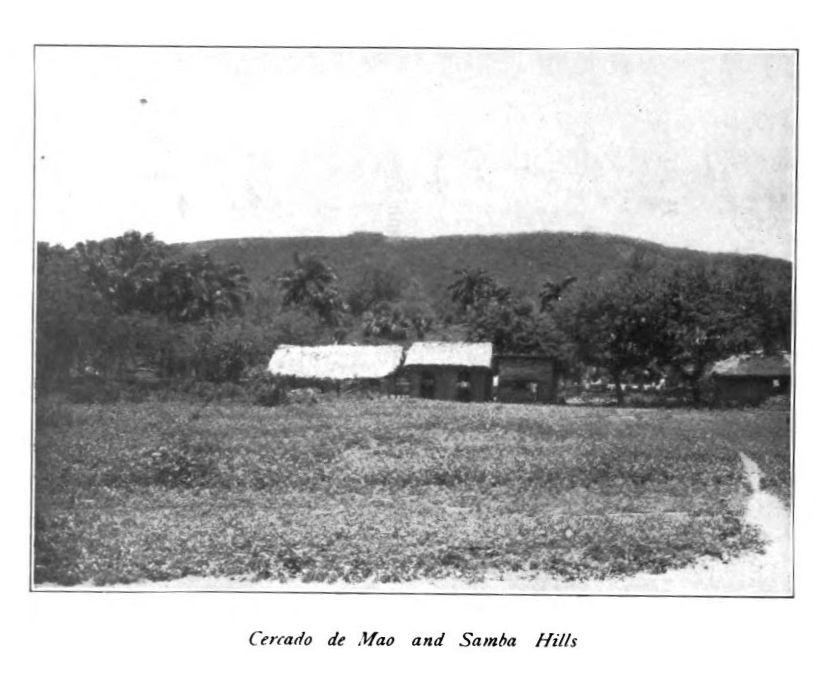 Llanura en Mao y colinas de la sierra de Samba